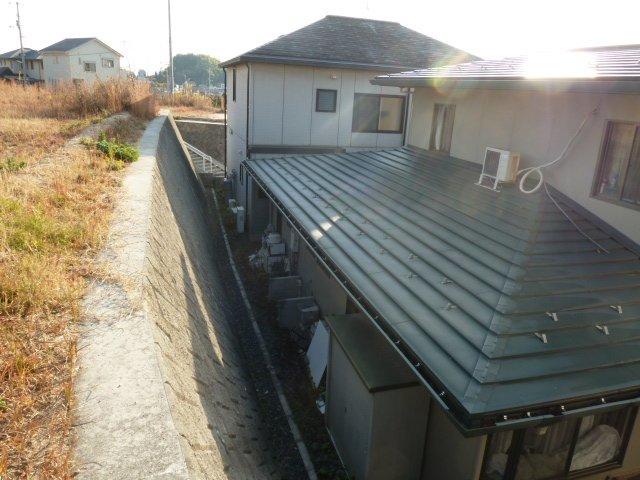 法面のあるひな壇状の土地選びの注意点 住宅cmサービス広島ダブルス
