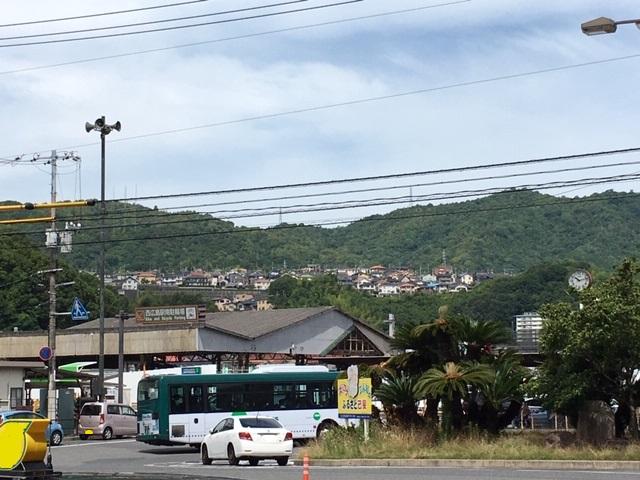 ボンバスと団地(西広島駅前)